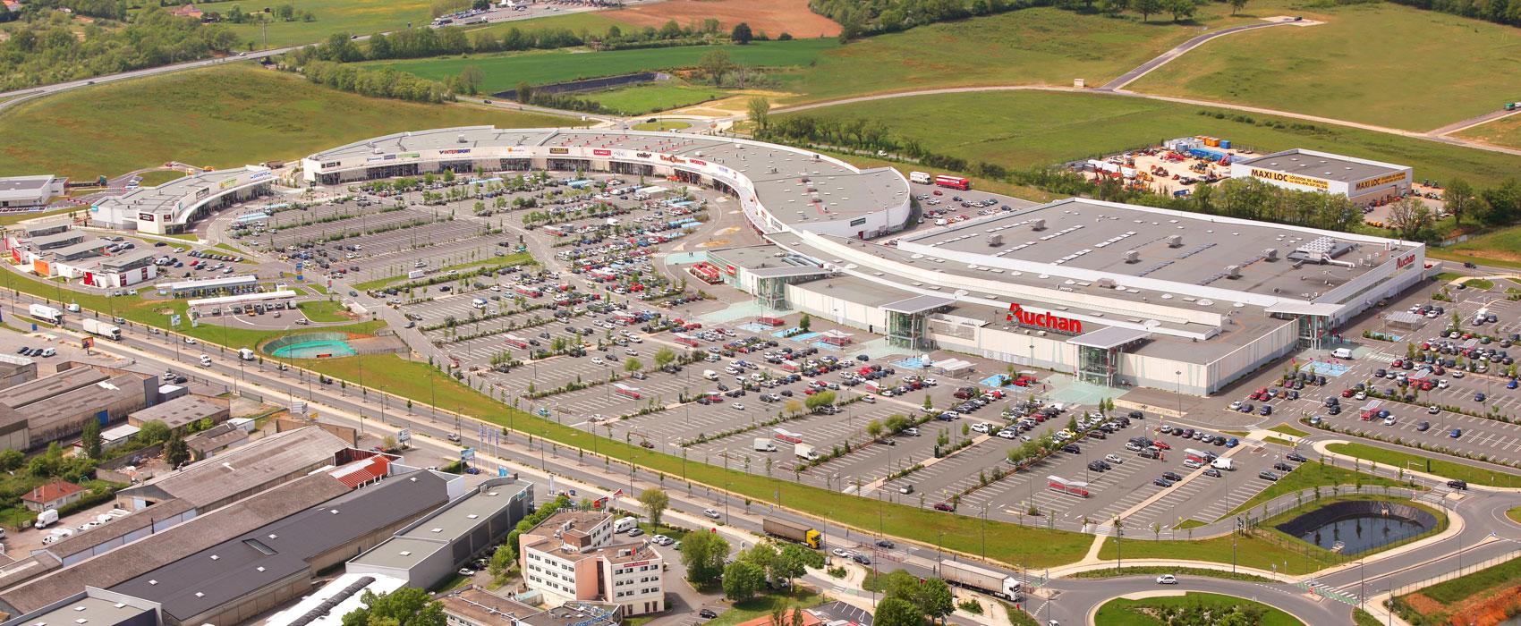 Patrimoine commerce la premi re fonci re de retail park low cost for Auchan poitiers porte sud